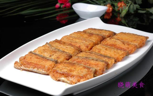 孜然羊肉、干煎带鱼、酱油鸡、的做法