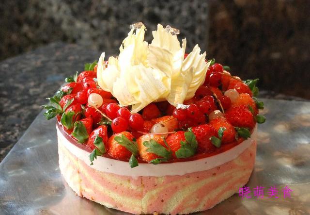 草莓慕斯蛋糕、蛋糕卷、熔岩蛋糕的秘制配方,做法简单又好吃