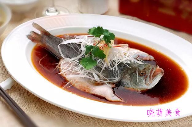 口水鸡、椒盐虾、清蒸鲈鱼的做法,简单快捷,营养丰富