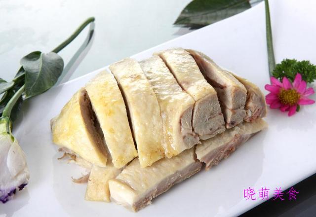 麻婆豆腐、龙井虾仁、盐水鸭的家常做法,咸鲜美味