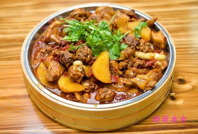 土豆煲鸡、牛腩煲、秘制辣子鸡、糖醋鲤鱼的美味做法,营养好吃