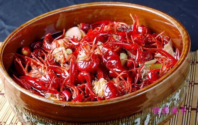 酸辣粉、脆炸鸡排、肉夹馍、香辣龙虾的美味做法,香辣好吃