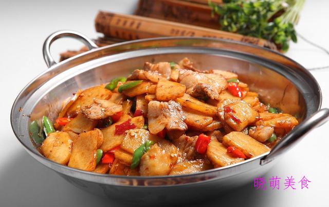 干锅土豆片、香辣茶树菇、干锅虾、麻辣肥肠的简单做法,香辣美味