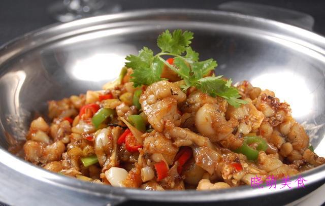 麻辣鱼块、干锅腊肉、麻辣牛蛙、香辣鸭翅、香辣鸭翅的美味做法