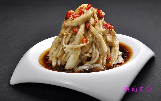 凉拌腐竹、麻辣鸡丝、白切肉、凉拌豆腐皮、酸辣茄子的美味做法