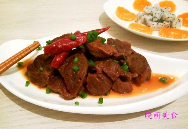 孜然羊排、香辣板鸭、香辣炖豆腐、辣烧牛腱、大盘鸡杂的家常做法