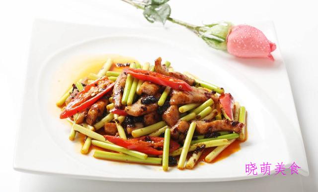 蒜苔香煎肉、辣煸肥肠、香辣肥牛、香辣虾的家常做法