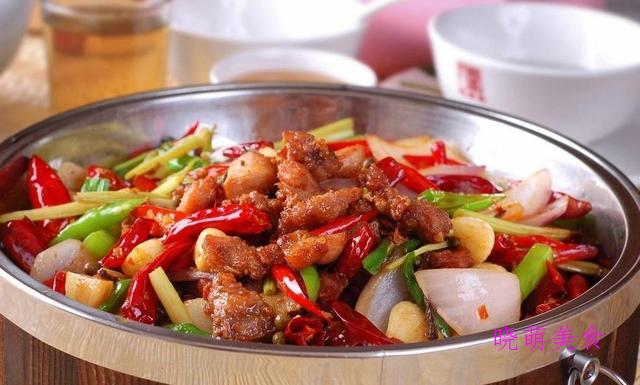 香辣兔火锅、红油牛肉火锅、香辣猪蹄煲的家常做法