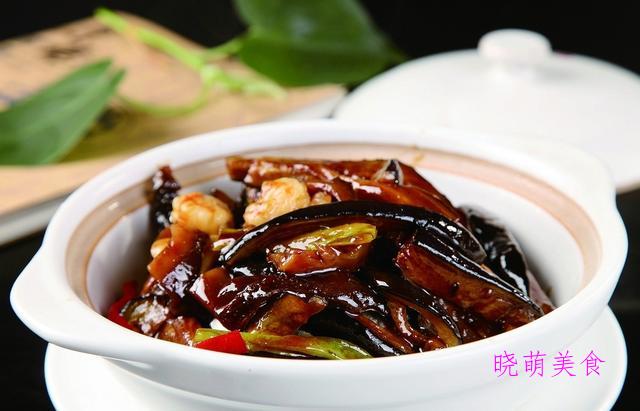 酱焖茄子、蒜苗炒肉、麻辣鸭翅、麻辣猪蹄的家常做法