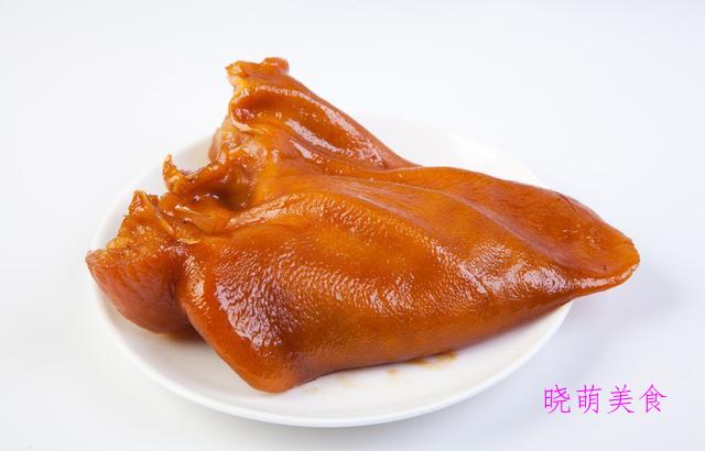 香卤耳叶、白灼鸡肝、泡椒萝卜、脆黄瓜、酱黄豆的家常做法