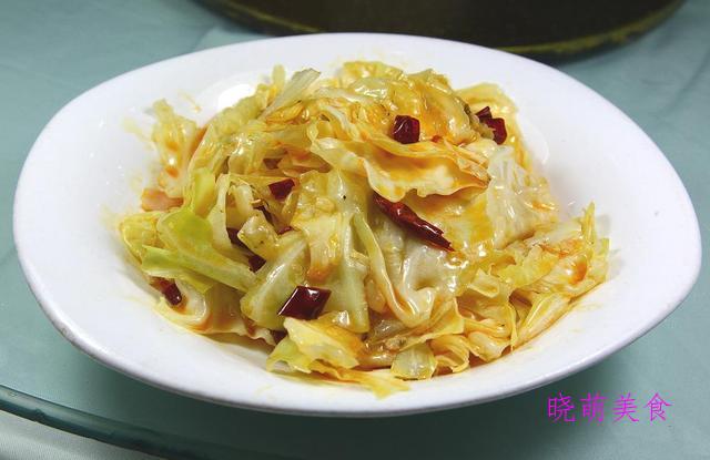 干煸土豆条、干煸手撕包菜、香辣杏鲍菇、生爆肥肠的家常做法