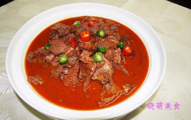 黄焖牛肉、黄焖土鸡、泥鳅焖豆腐、酱香排骨的家常做法