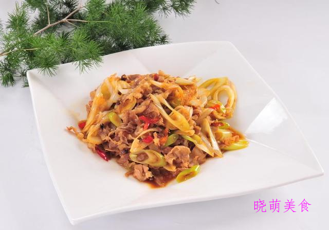 土豆小炒鸡、小炒羊肉、葱爆肥牛、小炒肚条的家常做法