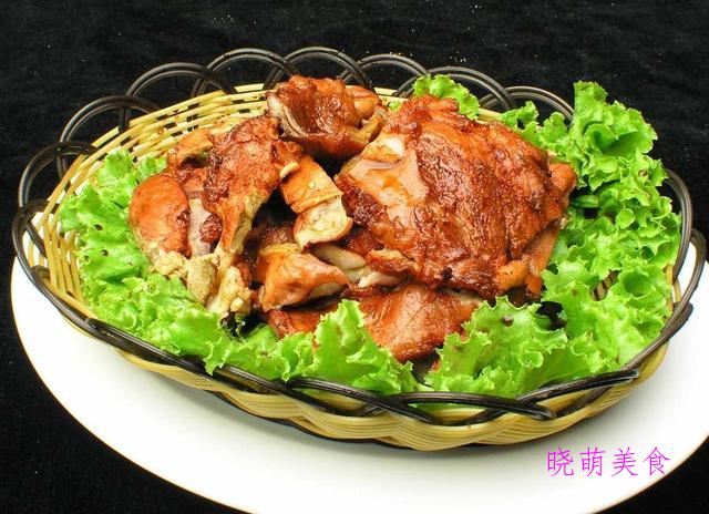 老干妈烧豆腐、菠萝鸡、砂锅牛肉、孜然烤羊肉的家常做法
