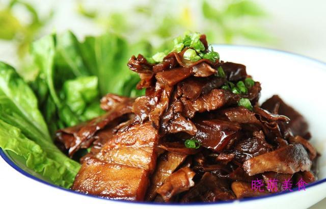 生焗鲍鱼、五花肉烧豆干、酸甜鲈鱼、糖醋小酥肉的家常做法