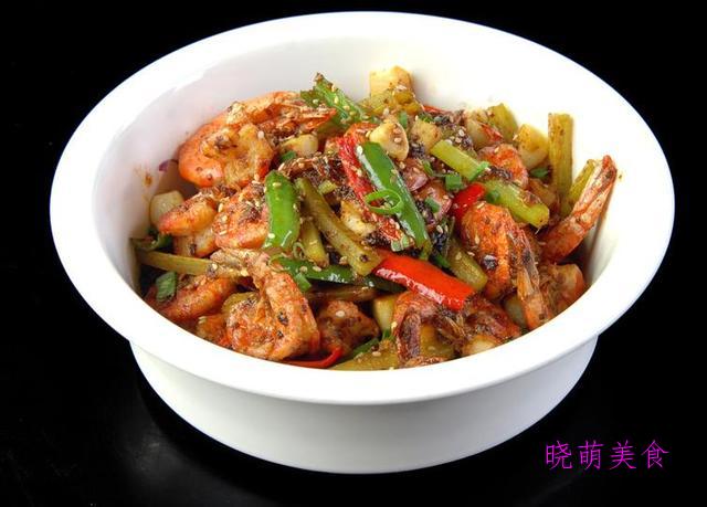 香辣虾煲、口水牛肉、香辣虾锅的家常做法