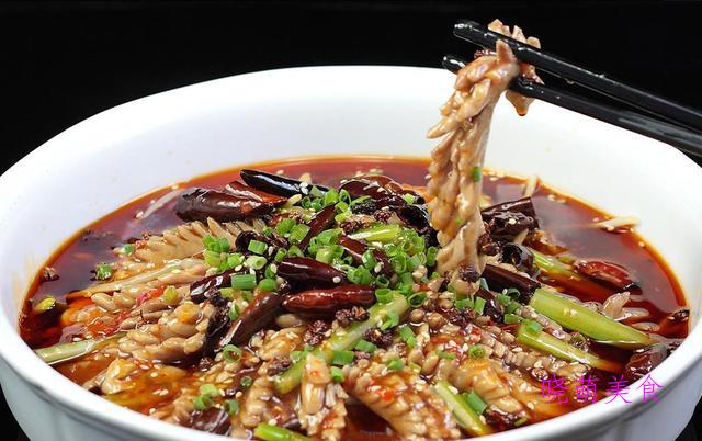 香酥鸡、酸菜肥肠煲、椒盐鲳鱼、水煮腰花的家常做法