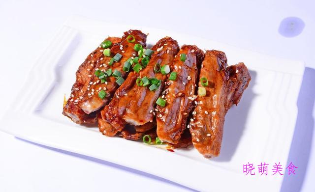 五香鸭翅、五花扣碗、凉拌五香牛肉的家常做法