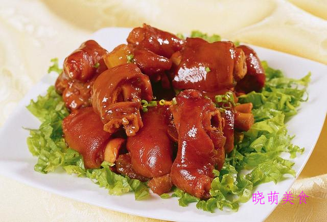 辣卤鸭掌、卤水猪蹄、卤猪舌、卤牛肚的家常做法