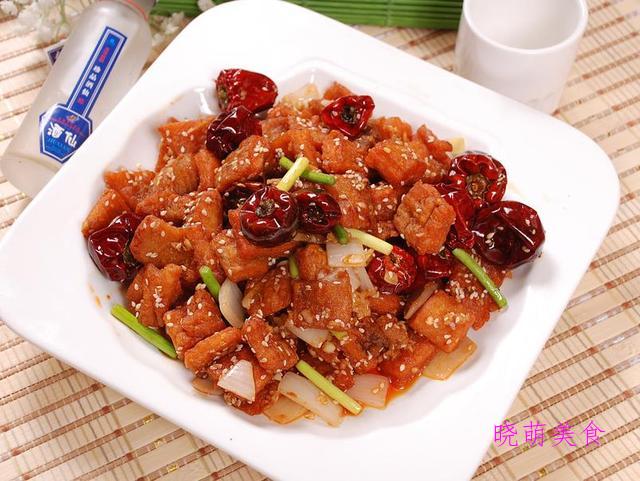 砂锅猪脚、香干回锅肉、香辣炸鸡块、干炸带鱼的家常做法