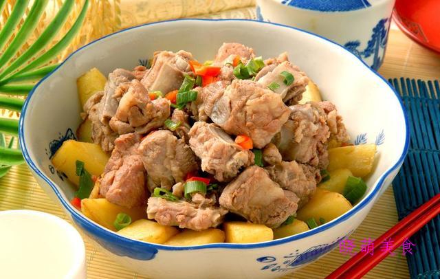 爆炒羊肉卷、蒜蓉蒸排骨、香辣鱼煲、萝卜鸭块的家常做法
