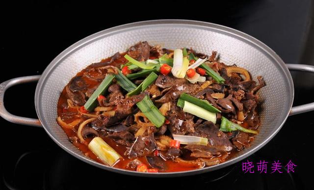 酸汤牛蛙、萝卜牛腩煲、麻辣羊肉煲的家常做法