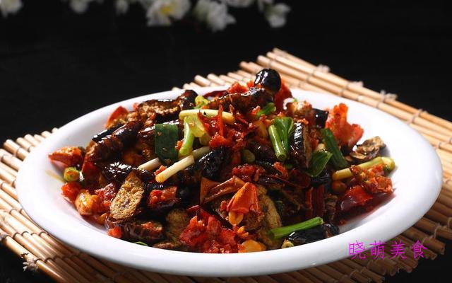 干炒猪肘、干煸蚕蛹、干煸带鱼、干煸香辣鸡的家常做法