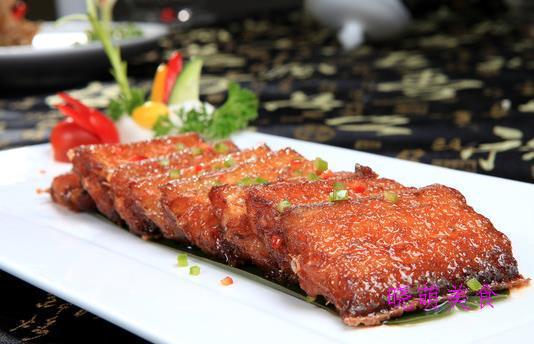 香辣烧带鱼、土豆排骨煲、千层扣肉的家常做法