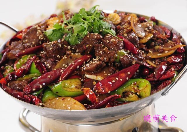 麻辣牛肉片、甜辣鸭翅、凉拌豆腐皮、香辣钵钵鸡的家常做法