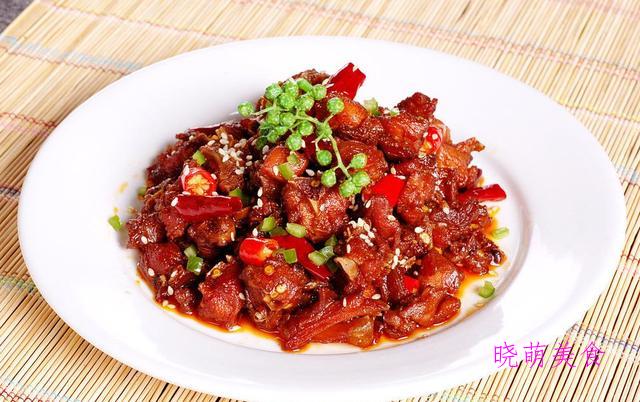 辣子兔丁、老坛酸菜鱼、辣子肥肠的家常做法