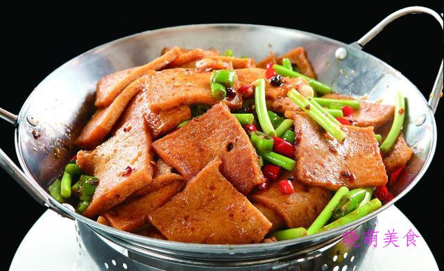 红烧臭鳜鱼、辣炒鸡杂、孜然牛肉、干锅千叶豆腐的家常做法