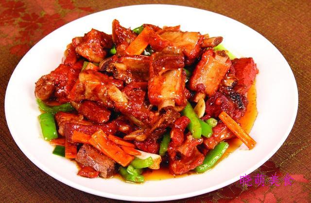 包菜炒肉、豉椒鸡丁、香辣羊肉煲、腐乳排骨的家常做法