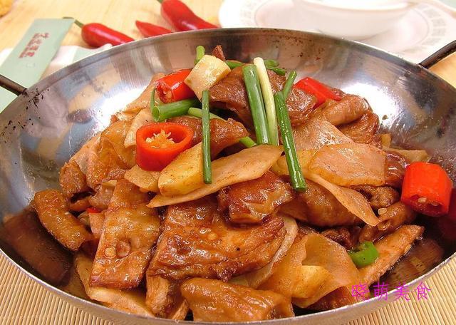 豆花肥肠、爆炒猪头肉、山椒肥牛、香煸鸡块的家常做法