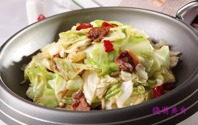 水煮猪血、辣炒牛肉、腊肉炒包菜、水煮带鱼的家常做法
