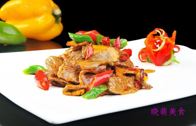 孜然牛肉粒、小炒牛肉片、清炖牛肉、四川回锅肉的家常做法