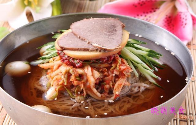 牛肉冷面、蜂蜜炸鸡翅、麻辣牛腩面、炒米粉的家常做法