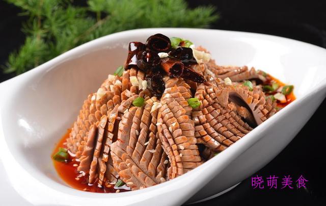 原汁鲍鱼、酱拌腰花、特色香鸡煲、红烧腊鱼、泡椒肥肠的家常做法