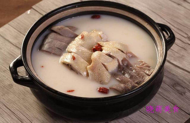 椒麻鱼片、土鸡猪肚煲、酸甜小排、蜜汁烧排骨的家常做法