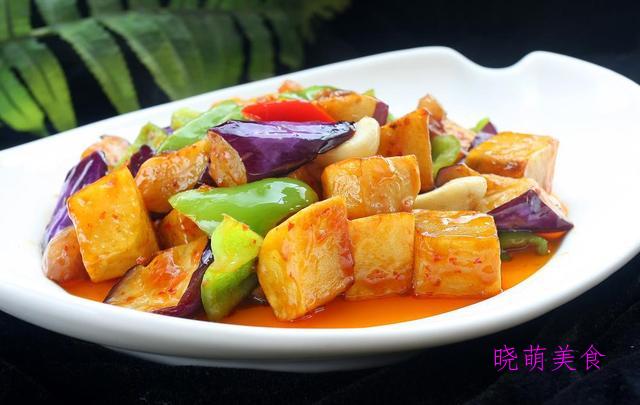鱼香地三鲜、蒜香辣味虾、魔芋炖鸡的家常做法