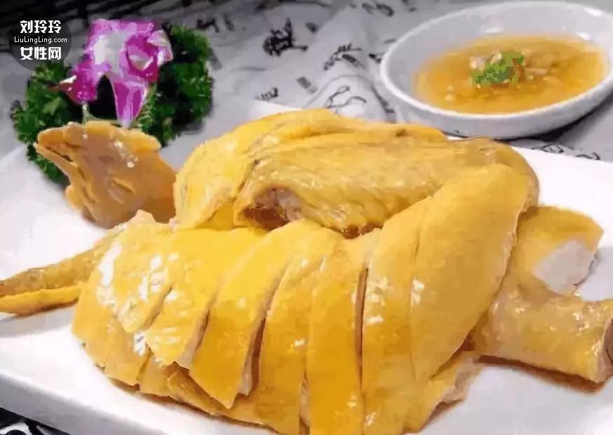 白切鸡的正宗做法 白切鸡冷水下锅还是热水下锅?1