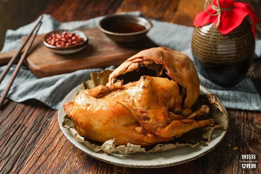 正宗叫花鸡的做法?一样的味道简单做叫化鸡1