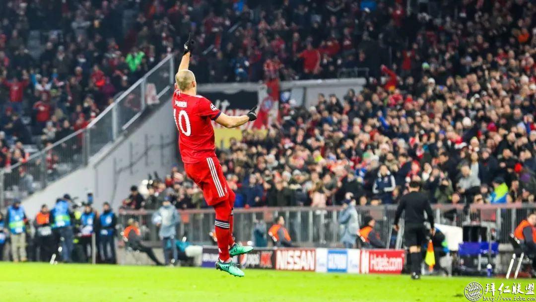 欧冠提前出线 拜仁5:1本菲卡 罗本梅开二度1