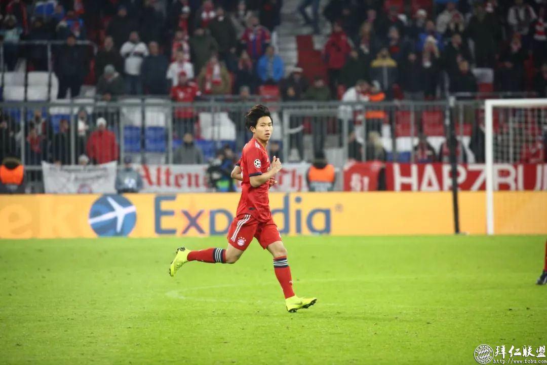 欧冠提前出线 拜仁5:1本菲卡 罗本梅开二度16