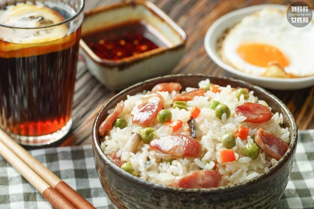 电饭锅焖饭懒人饭 用电饭锅做最简单的菜7