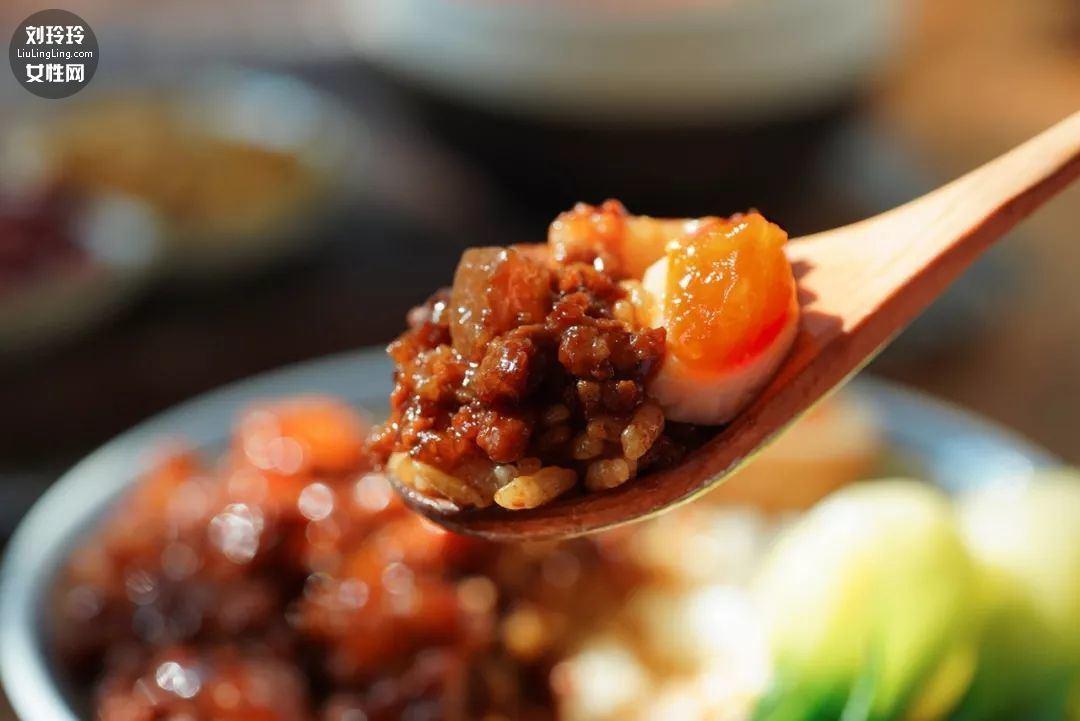 正宗特色卤肉饭的做法及配料11