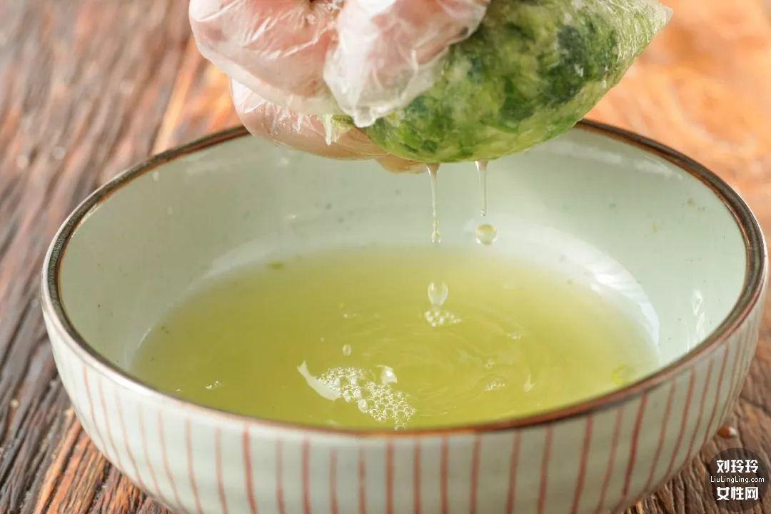 家常虾仁饺子的做法 虾仁饺子馅的做法3