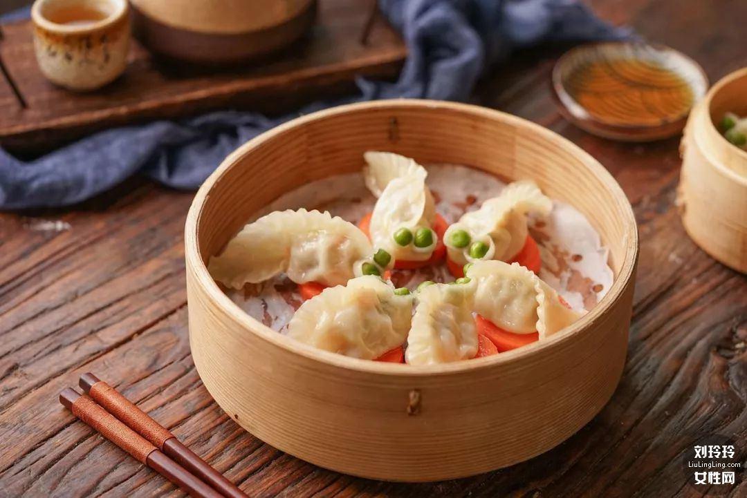家常虾仁饺子的做法 虾仁饺子馅的做法14