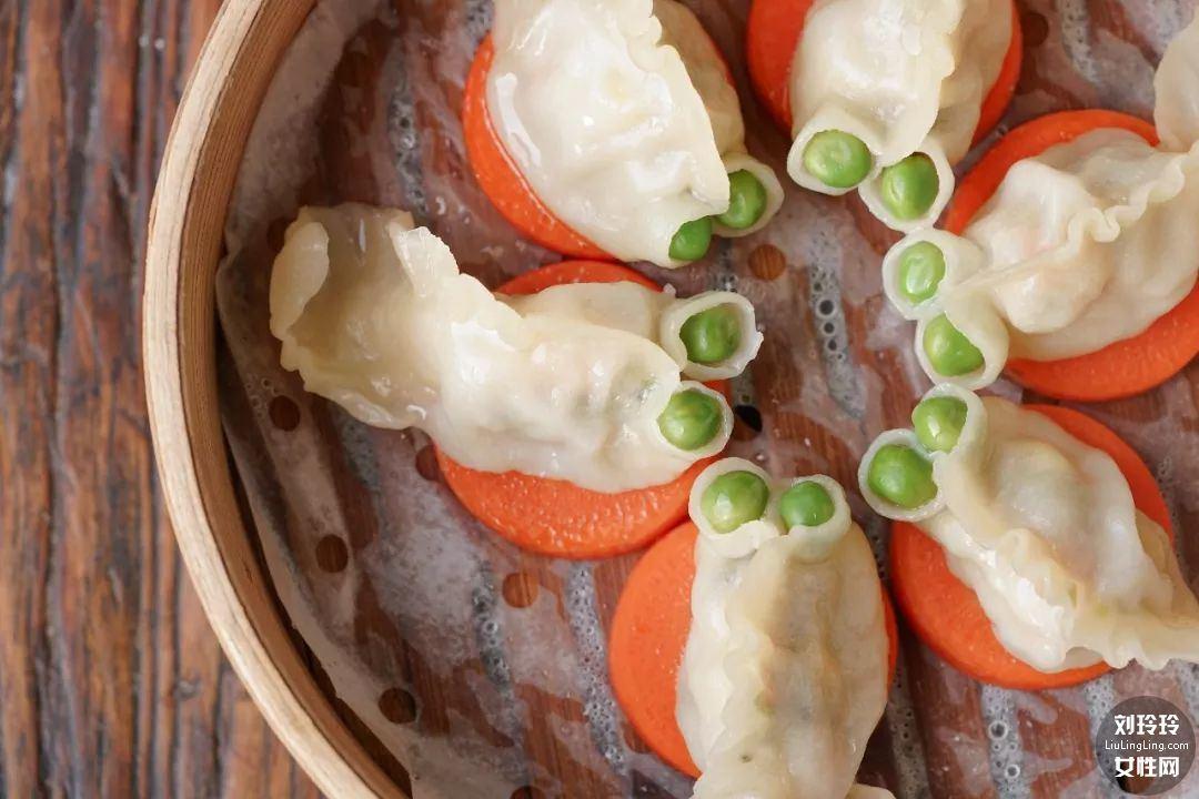 家常虾仁饺子的做法 虾仁饺子馅的做法15