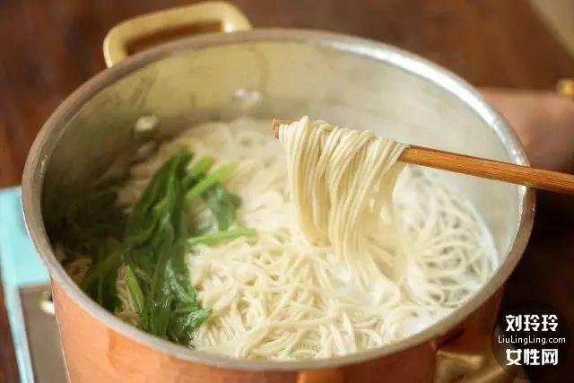 重庆小面的做法 重庆正宗豌杂面做法10