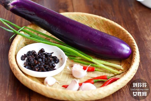 蒜末豆豉蒸茄子的做法 茄子不变色不吸油 吃了还想吃2
